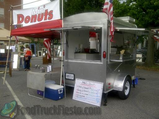 Macs Donuts Food Truck on Loudoun Weddings